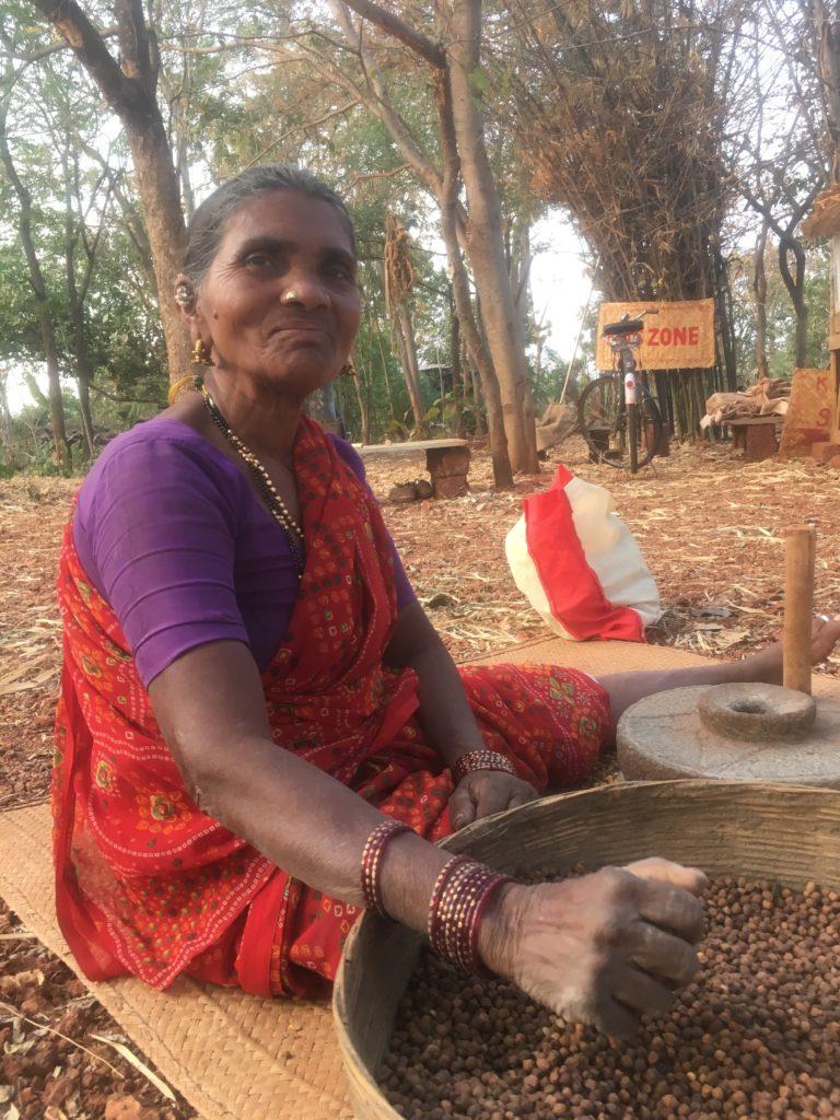 Местните жени - фермери, учители и носители на вековно знание и връзка с природата